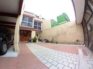 Casa en venta en El Mirador de 338m²