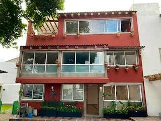 Casa en venta en San Jerónimo Lídice de 4 hab. con Jardín...