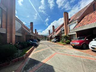 106601 - Casa con la mejor ubicación, y barrio rodeado de gran zona verde