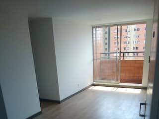 Una vista de una habitación con una puerta abierta en Apartamento En Venta En Madrid