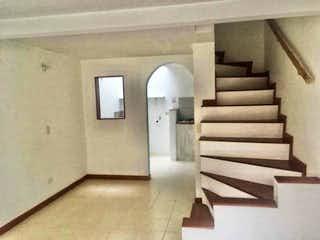 Casa en venta en Portales del Norte, 70mt de tres niveles