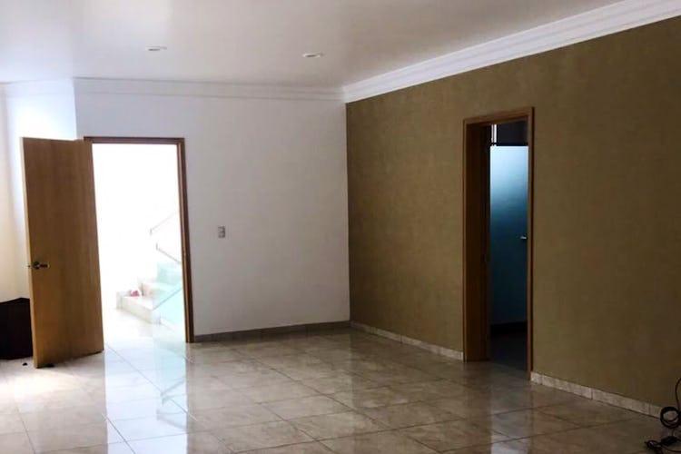 Portada Casa en venta en San Juan Ixhuatepec de 1140mt2 con balcón.