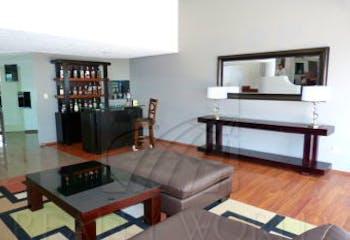 Casa en venta en condominio. Av. Club de Golf, cerca de Lomas Country