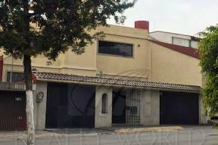 Casa en venta en Lomas Anahuac de 3 alcobas