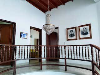 Casa en venta en Barrio Laureles de 206m² con Jardín...