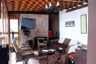 Casa en venta en Jardines del Ajusco de 3 niveles.