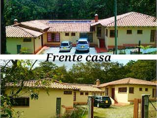 Finca En Pantanillo, Casa en venta en Acuarela, 6400m² con Bbq...