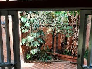 Casa en venta en Bolivariana de 4 hab. con Jardín...