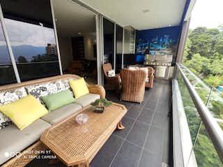 Espectacular, Apartamento en venta en Los Balsos, 236m² con Balcón...