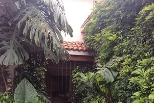 Casa en venta en La Herradura con Bungalow