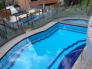 Apartamento en venta en Mesa con acceso a Piscina