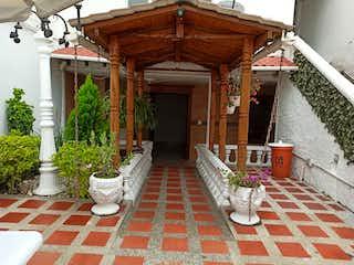 Casa en venta en Barrio La América con acceso a Jardín