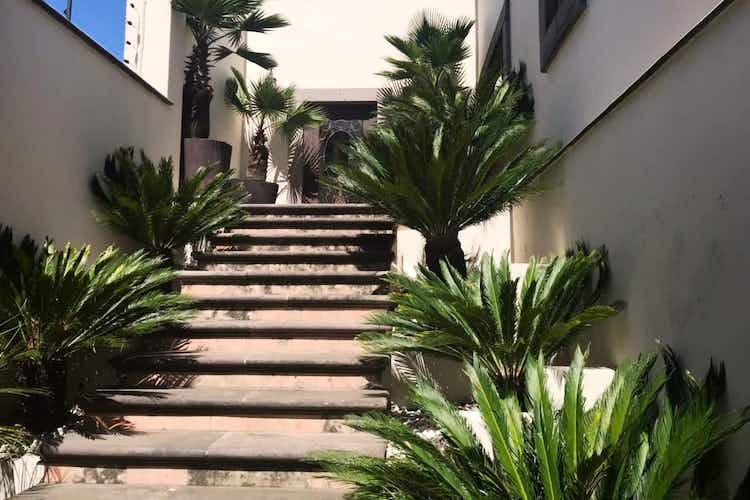 Portada Residencia de Lujo en Venta, Lluvia / Jardines del Pedregal