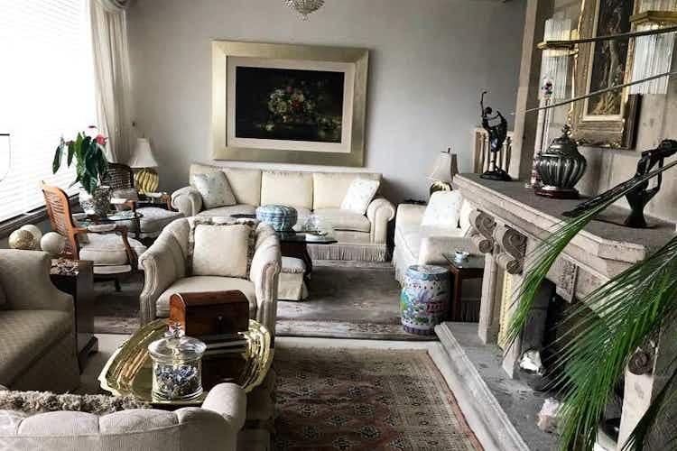 Portada Casa en venta en Jardines del Pedregal con terraza.
