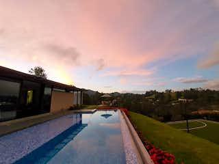 Casa en venta en Loma De Cumbres de 5 hab. con Piscina...