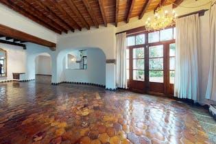 Casa en Venta en Barrio Santa Catarina 675 m2 con chimenea
