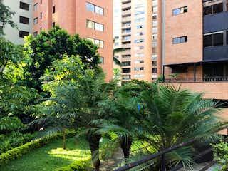 Cerca Oviedo Para Reformar, Apartamento en venta en La Aguacatala 117m² con Piscina...
