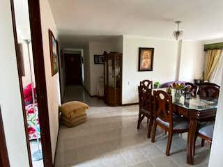 Apartamento en venta en Loma De Los Bernal de 4 habitaciones