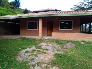 Casa en venta en Sabaneta de 5 alcoba