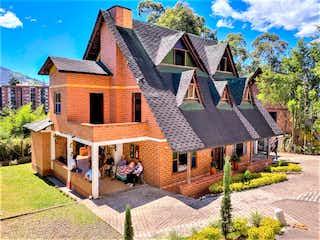 Vendo Casa Tipo Chalet En La Loma Del Esmeraldal, Envigado