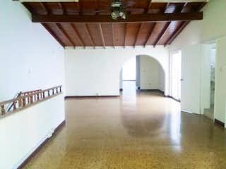 Casa en venta en Los Almendros 220m² con Balcón...