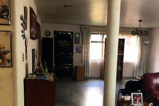 Casa en venta en Acacias de 2 niveles.