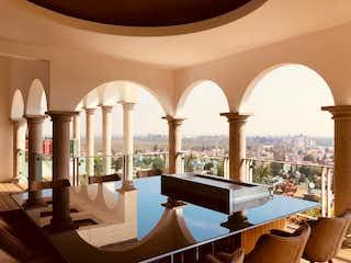 Una habitación muy bonita con muchas ventanas en Residencia en Venta, Montaña / Jardines del Pedregal de San Ángel