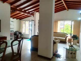 Casa en venta en Conquistadores, 220m²