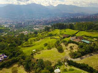 Lote en venta en Loma Del Escobero de 2101m²