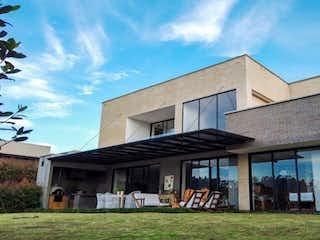 Casa en venta en Alto De Las Palmas Indiana con Jardín...