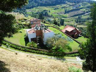 Casa en Palmas, oportunidad $, tradicional, , amplia terraza , vista panorámica, tranquilo $ 3200 / 595.m2, Piscina, Medellin