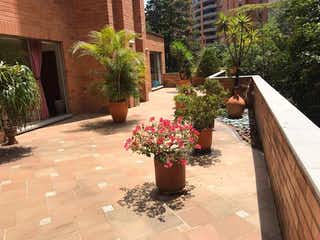 Apartamento en Poblado, Santas, de lujo, excelente estado, , amplia terraza , vista a verde, tranquilo $ 1400 / 302.m2, Piscina, Medellin