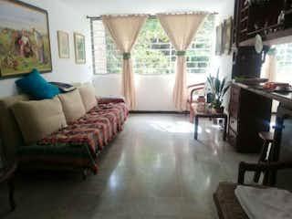 Apartamento en venta en Carlos E. Restrepo de 4 habitaciones