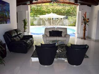 Casa en venta en Barrio Colón con acceso a Zonas húmedas