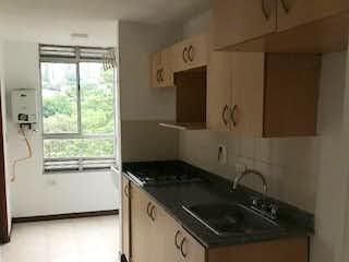 Una cocina que tiene un fregadero y una estufa en Apartamento en Santa María de Los Ángeles, Medellin