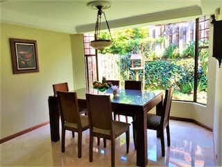 Casa en Poblado, Santas, de lujo, remodelado, , espacioso , vista a verde, tranquilo $ 1030 / 250.m2, Piscina, Medellin