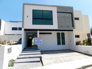 Casa en venta en Fracc Colinas El Centinela de 4 hab.