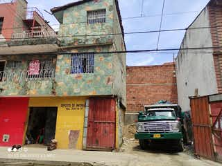 Casa en venta en Barrio Antioquia de 9 hab.