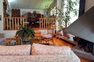 Casa 3 recámaras en Fraccionamiento  con Casa Club, alberca, tenis, salón