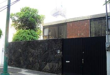 Casa en Venta 350 m2 en Del Carmen Coyoacán, con chimenea