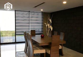 Casa en venta en Lomas Verdes 5ta Secc (La Concordia) de 357m² con Jardín...