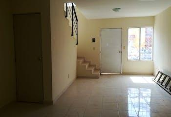 Casa en venta en Fraccionamiento Los Héroes Tecámac de 95 mts2