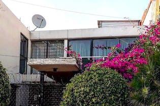 Excelente propiedad para remodelar en Lomas de Huizachal