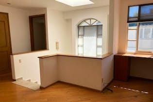 Casa en venta en Hacienda de las Palmas de 297mts, dos niveles