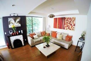 Casa en venta en Fuentes Brotantes de 235mts2. cuatro niveles