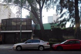 Casa en venta en col. Del Valle Centro 812 m²