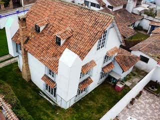 Casa en venta en Casco Urbano Cota, 480m² con Jardín...