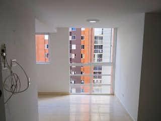 Apartamento en venta en Calle Del Banco de 65m² con Piscina...