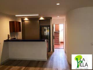 Apartamento en venta en La Villa con acceso a Jardín