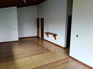 Apartamento en venta en Rosales de 4 hab. con Balcón...